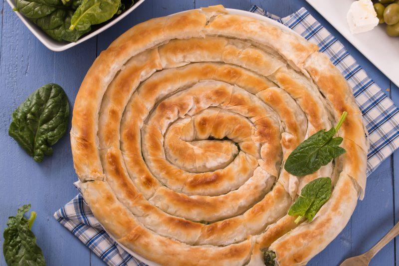 Быстрый пирог из лаваша с творогом и сыром