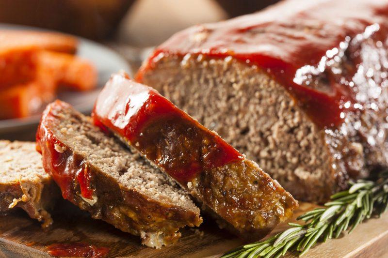 Запеченный мясной рулет из баранины