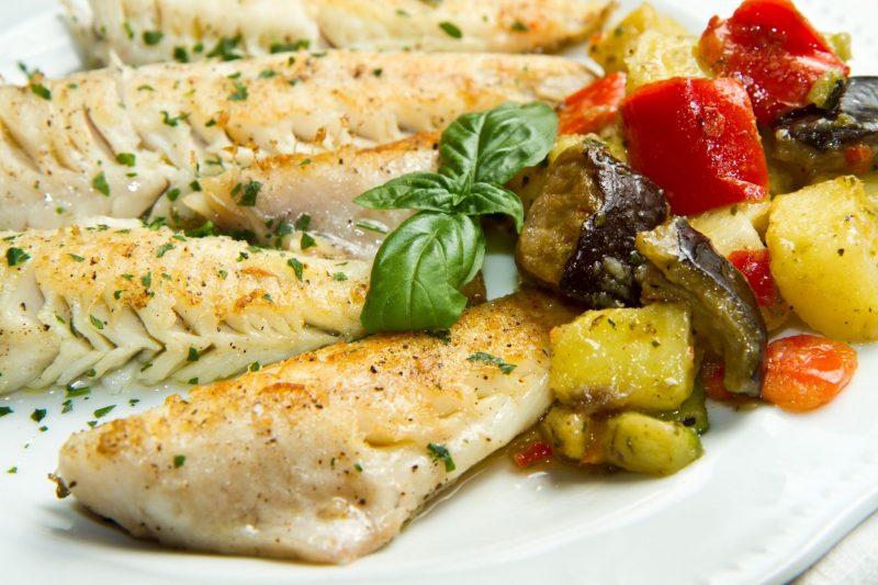 Как запечь хек в духовке: рецепт рыбы