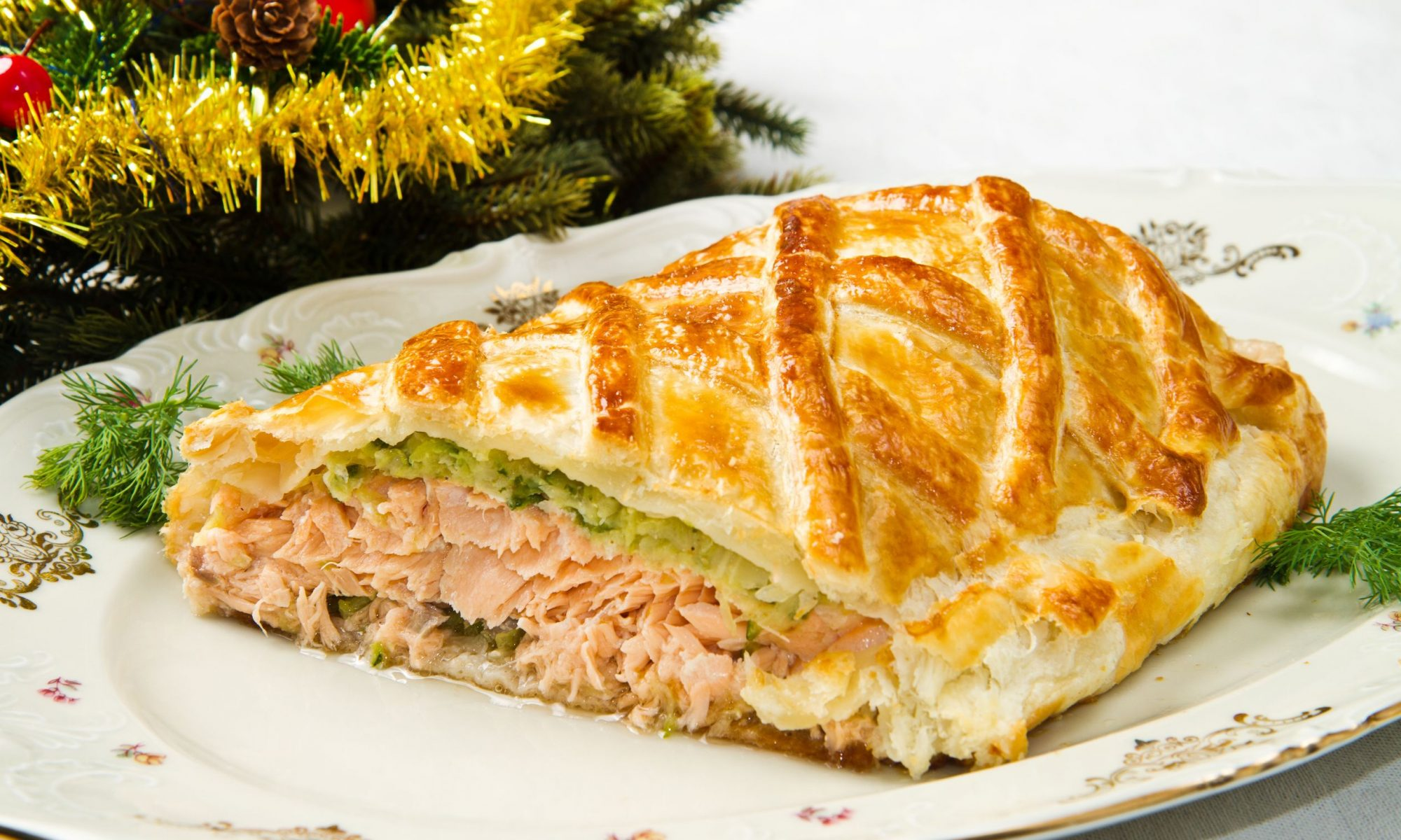 Пирог со щавелем и лососем