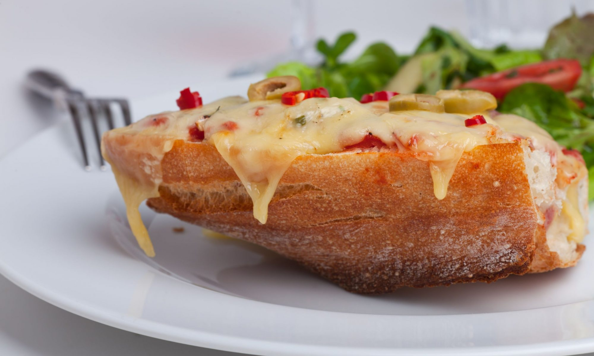 Горячие бутерброды из курицы гриль