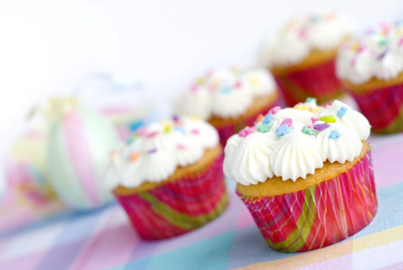 Кексы ванильные: рецепт мягкой выпечки