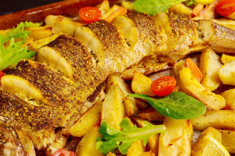Стерлядь в духовке с картошкой: рецепт приготовления