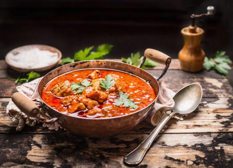 Ароматный и наваристый суп-гуляш из свинины