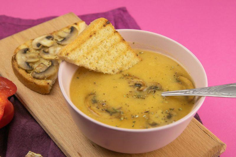 Гороховый суп с грибами: любимый рецепт