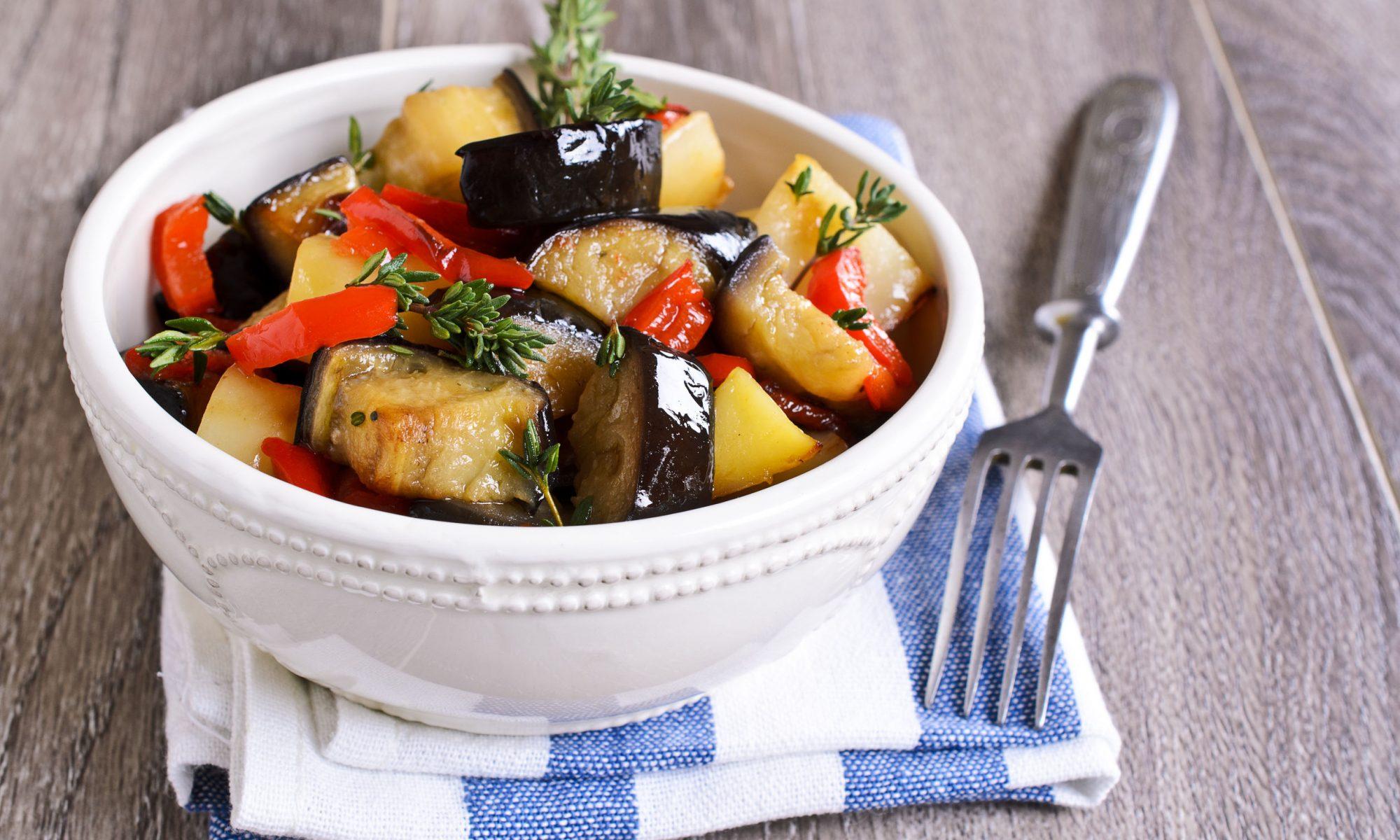Вкусная картошка с кабачками на сковороде