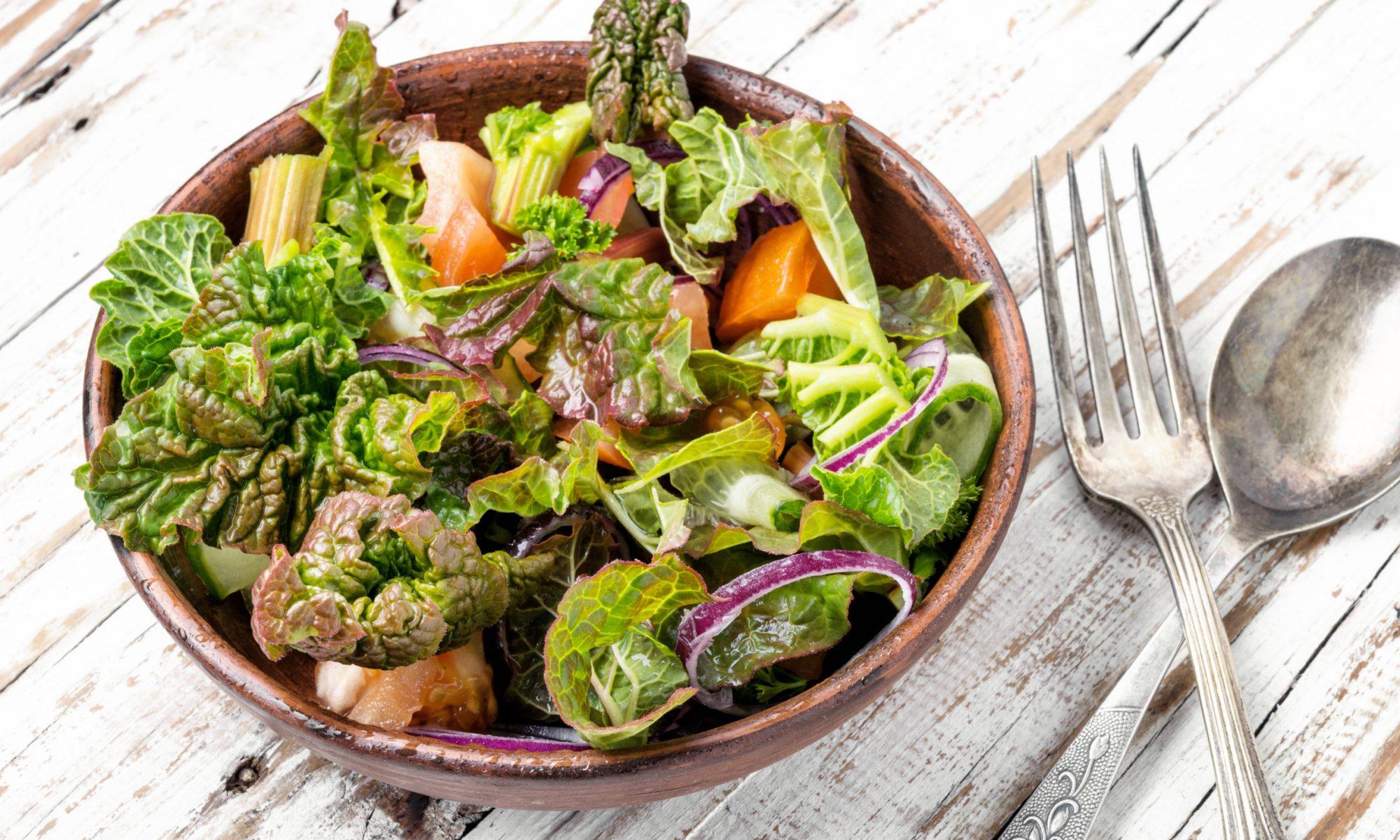 Салат из ревеня с огурцами