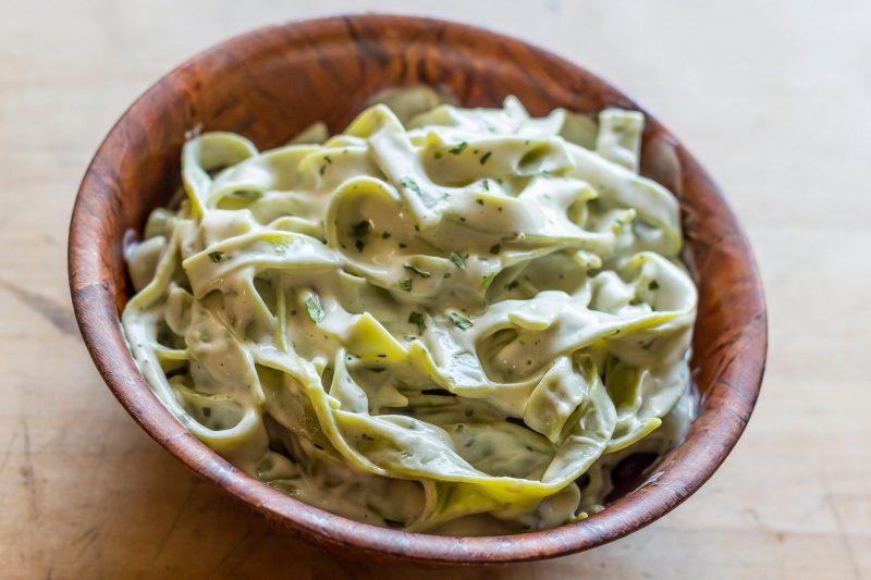 Домашняя паста со шпинатом с вешенками: ужин в итальянском стиле