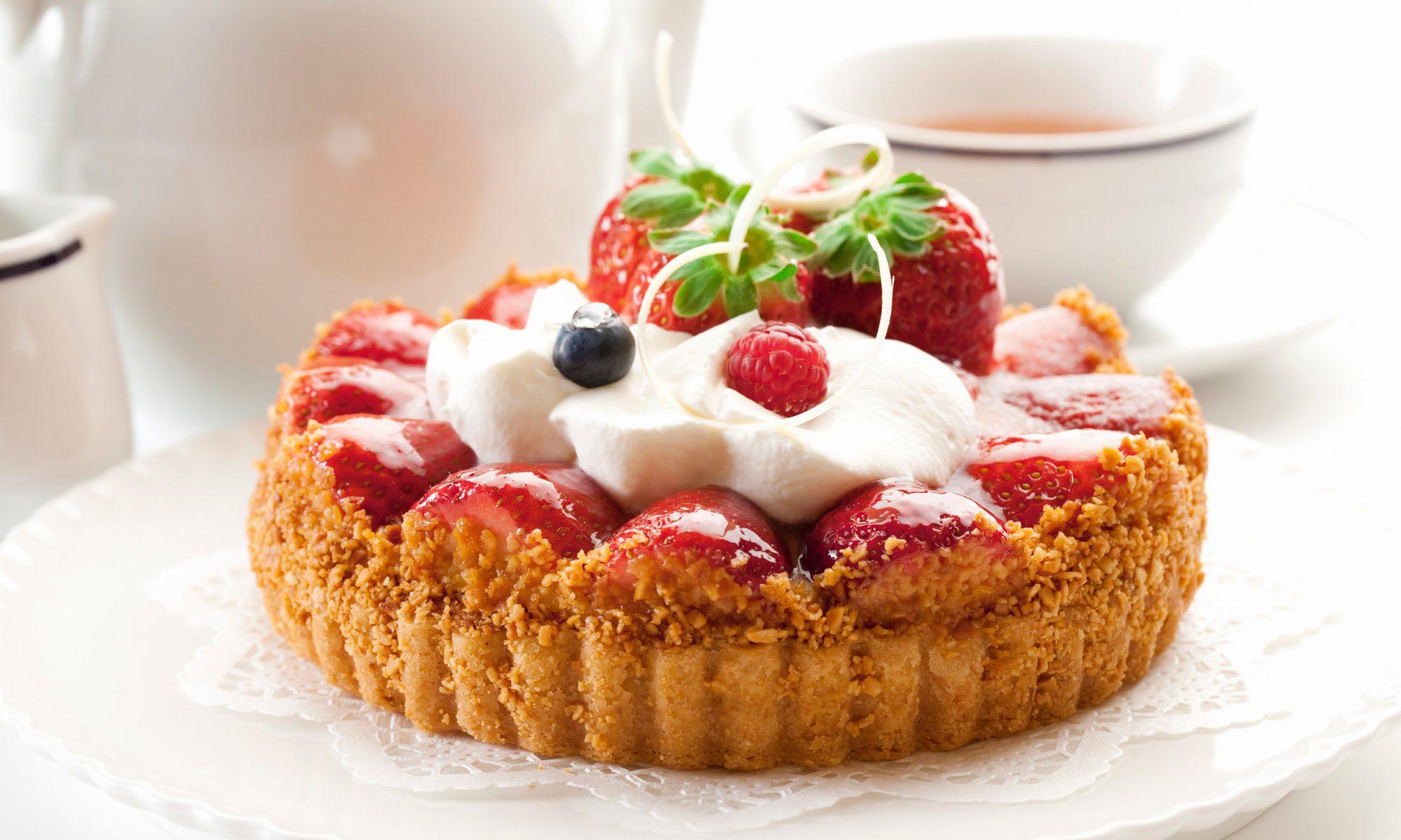 Секреты приготовления итальянского тарта «Клубника со сливками»