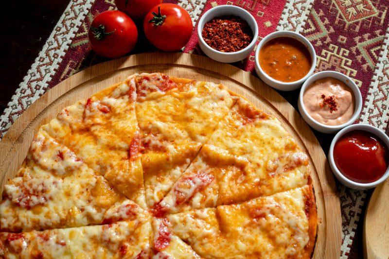 Простой проверенный рецепт пиццы три сыра