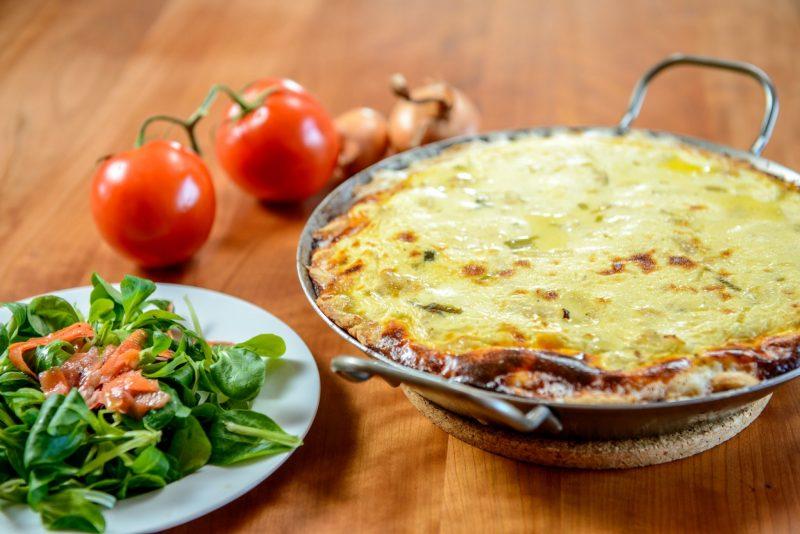 Киш с овощами: шпинат и грибы