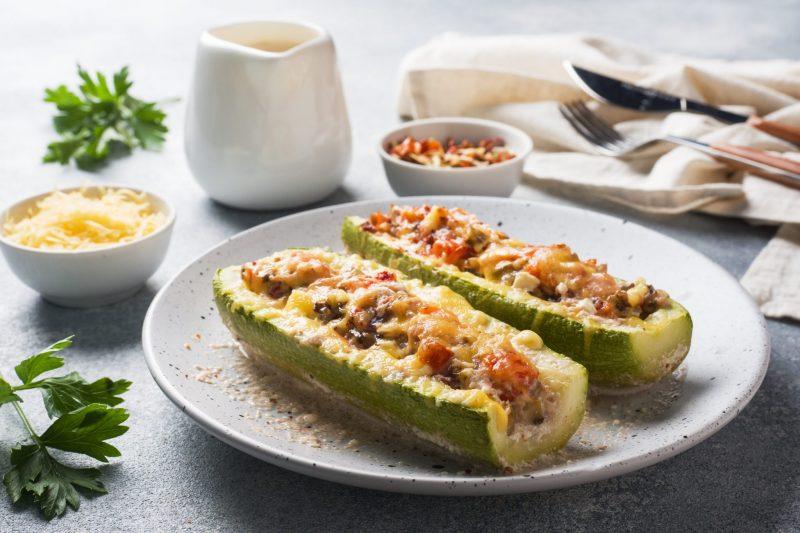 Изысканный рецепт кабачков, запеченных в духовке с сыром фета