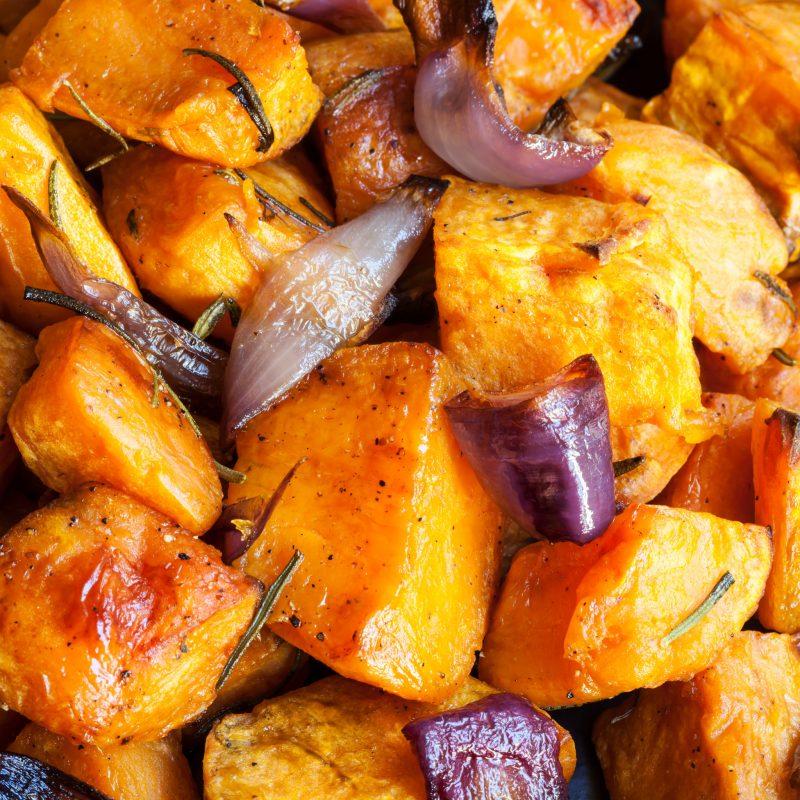 Запеченная картошка в духовке с луком