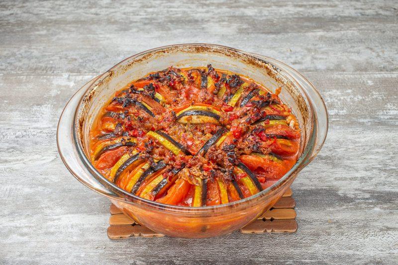 Кабачки с томатной пастой