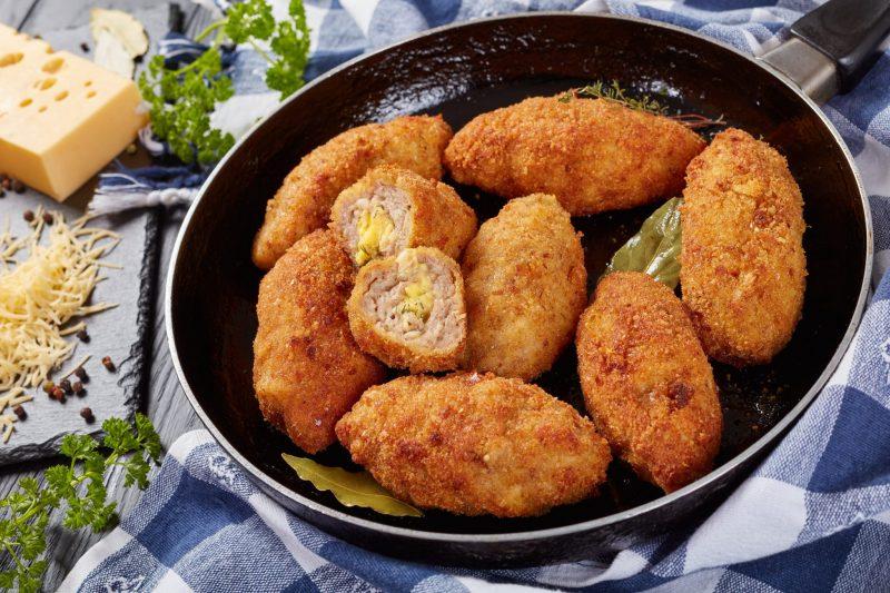 Зразы куриные с яйцом и рисом