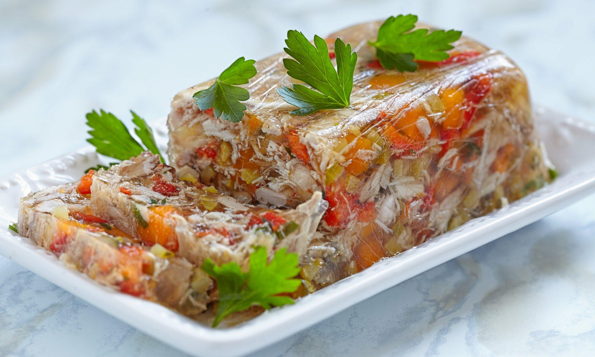 Аппетитное заливное из индейки с желатином
