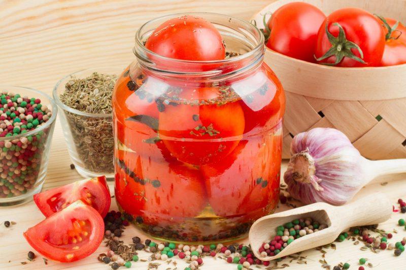 Красные помидоры «Пальчики оближешь» на зиму