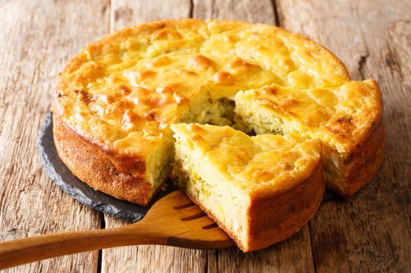 Воздушный пирог с сыром на кефире