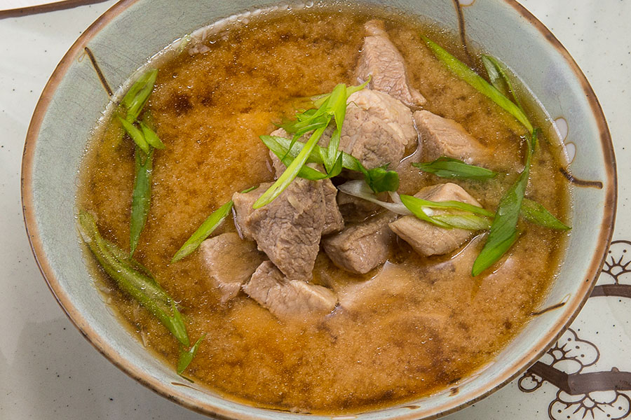 Мисо-суп со свининой