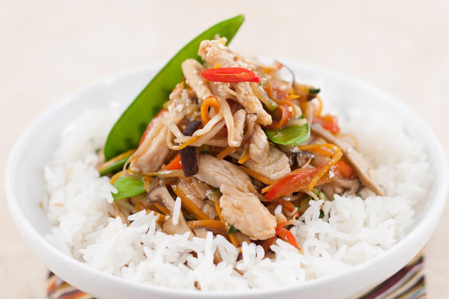 Индейка с овощами стир-фрай на жасминовом рисе