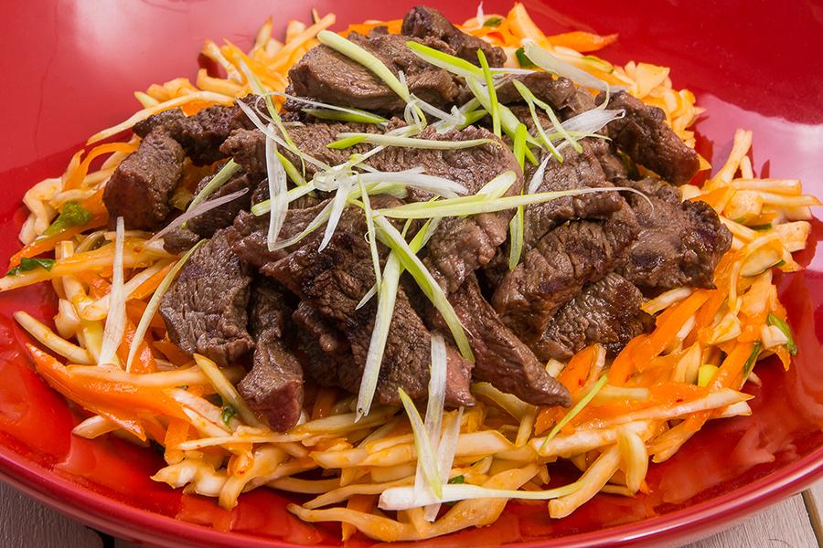 Диетический корейский салат с говядиной