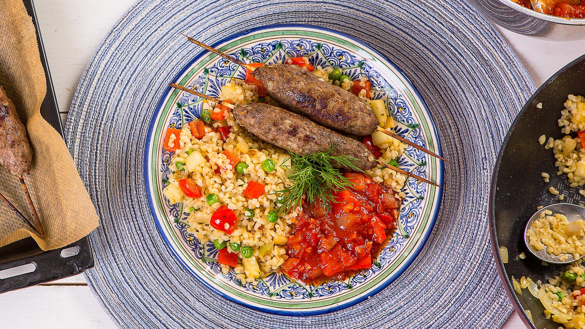 Люля-кебаб из баранины с булгуром и овощами и домашней аджикой