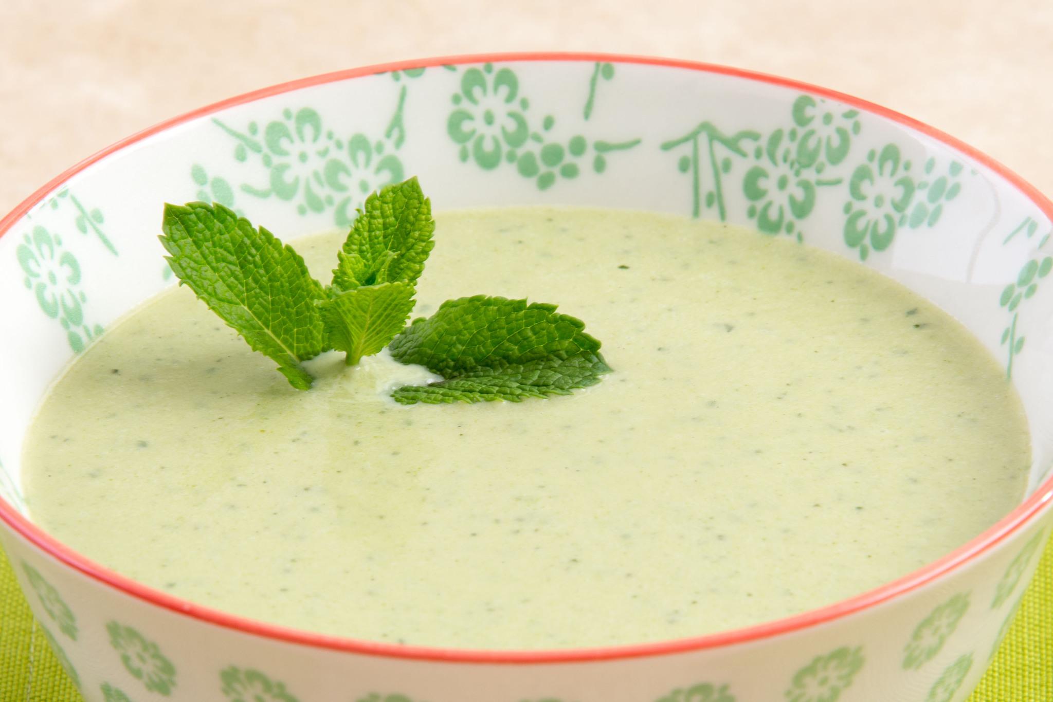 Крем-суп из брокколи с мятой