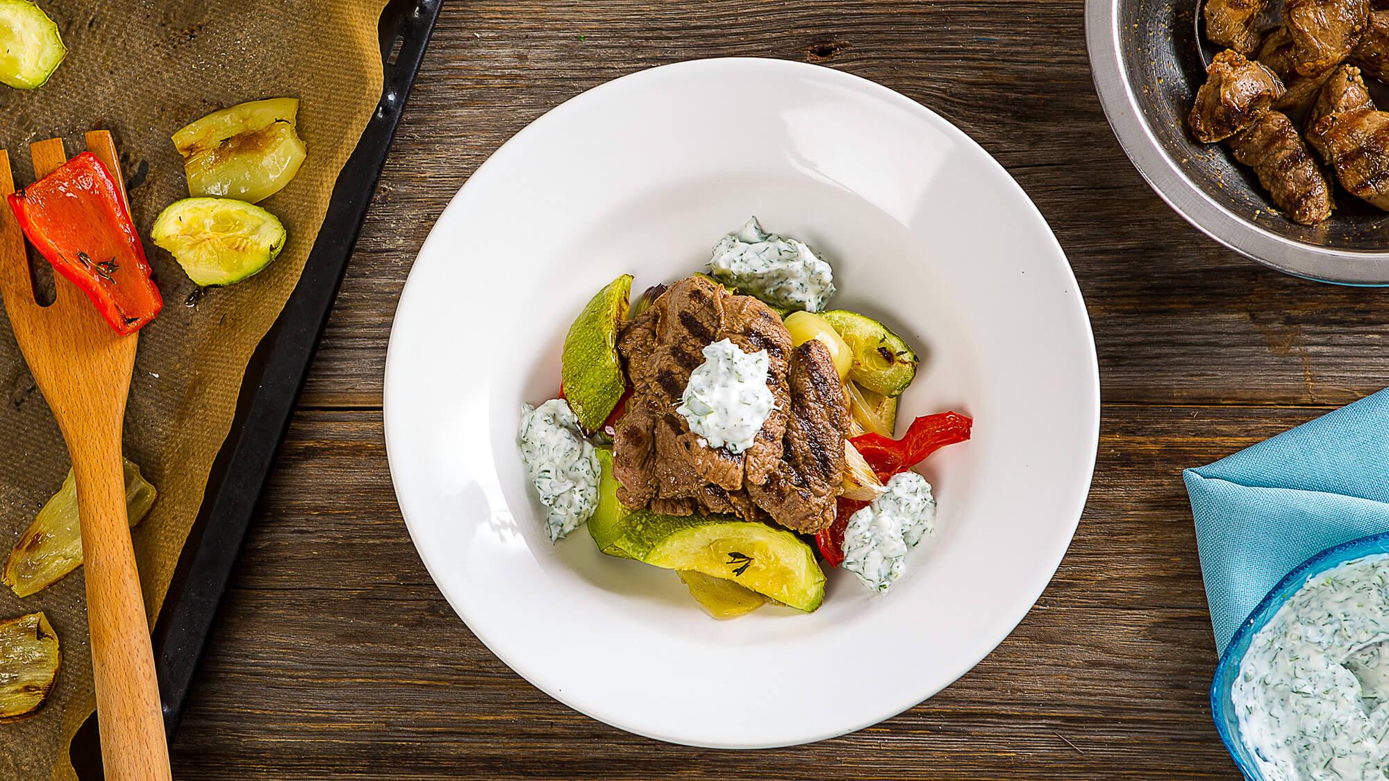 Баранина-гриль с запеченными овощами