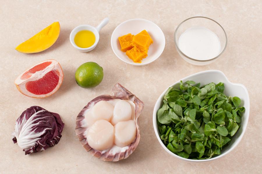 Корн салат с морским гребешком и манговым соусом от Шефмаркет